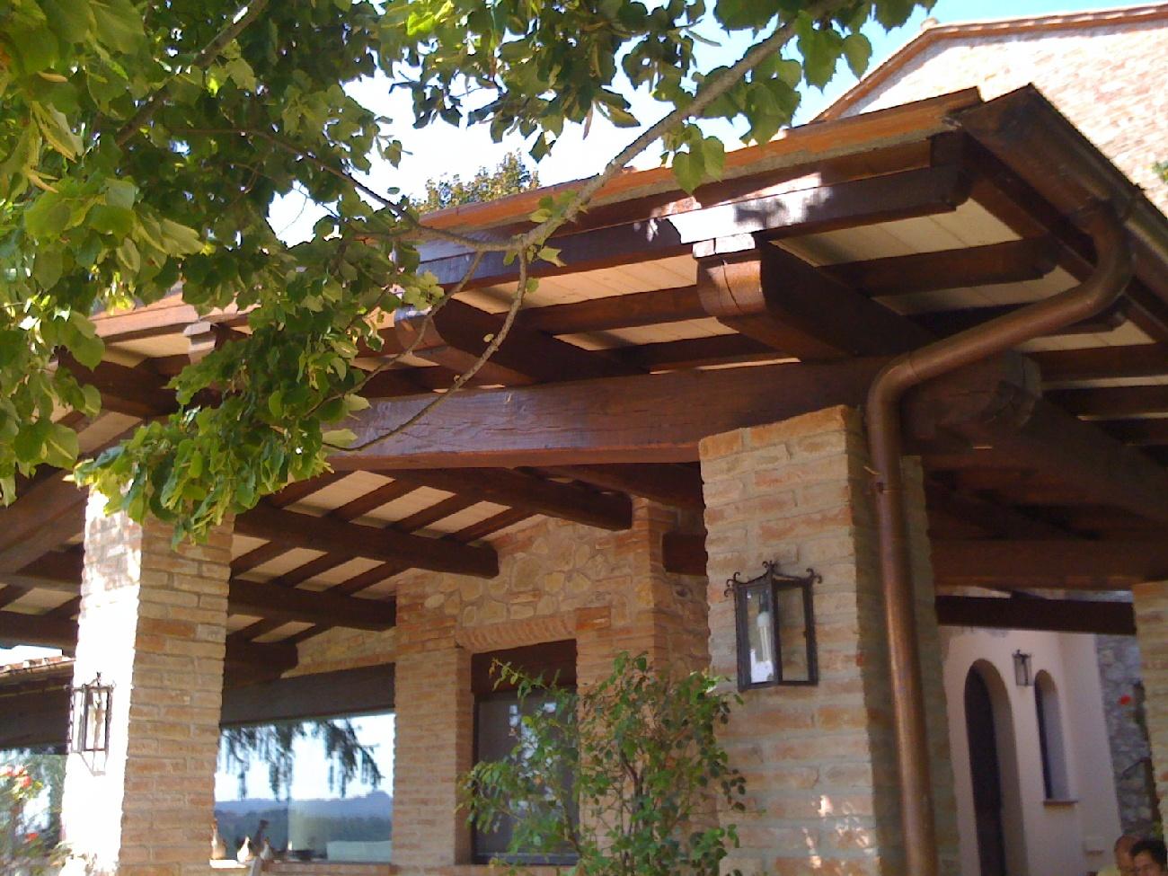 Foto porticati in legno for Arredo giardino anguillara