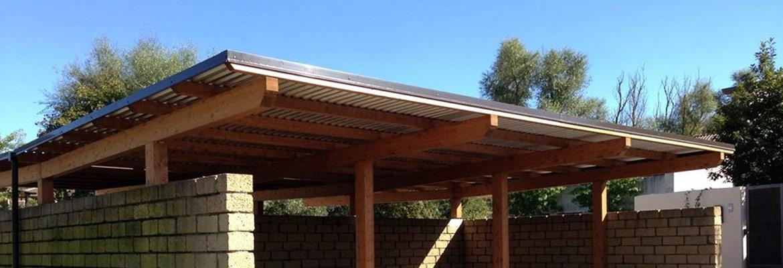Realizzazione box auto in legno tettoie in legno per for Coperture in legno per auto usate