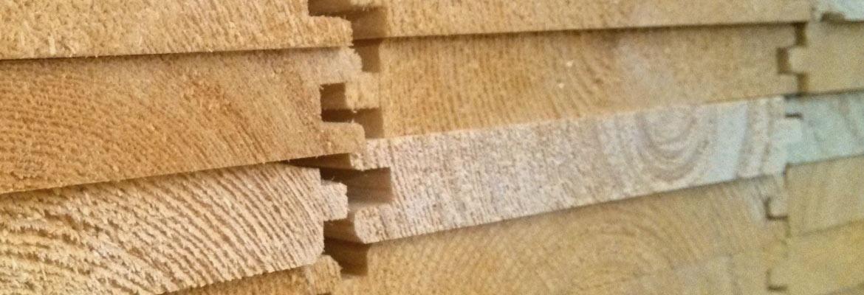 Produzione e vendita di tavole e tavolato in castagno tavole per tetti e pavimenti - Tavole di legno per edilizia ...